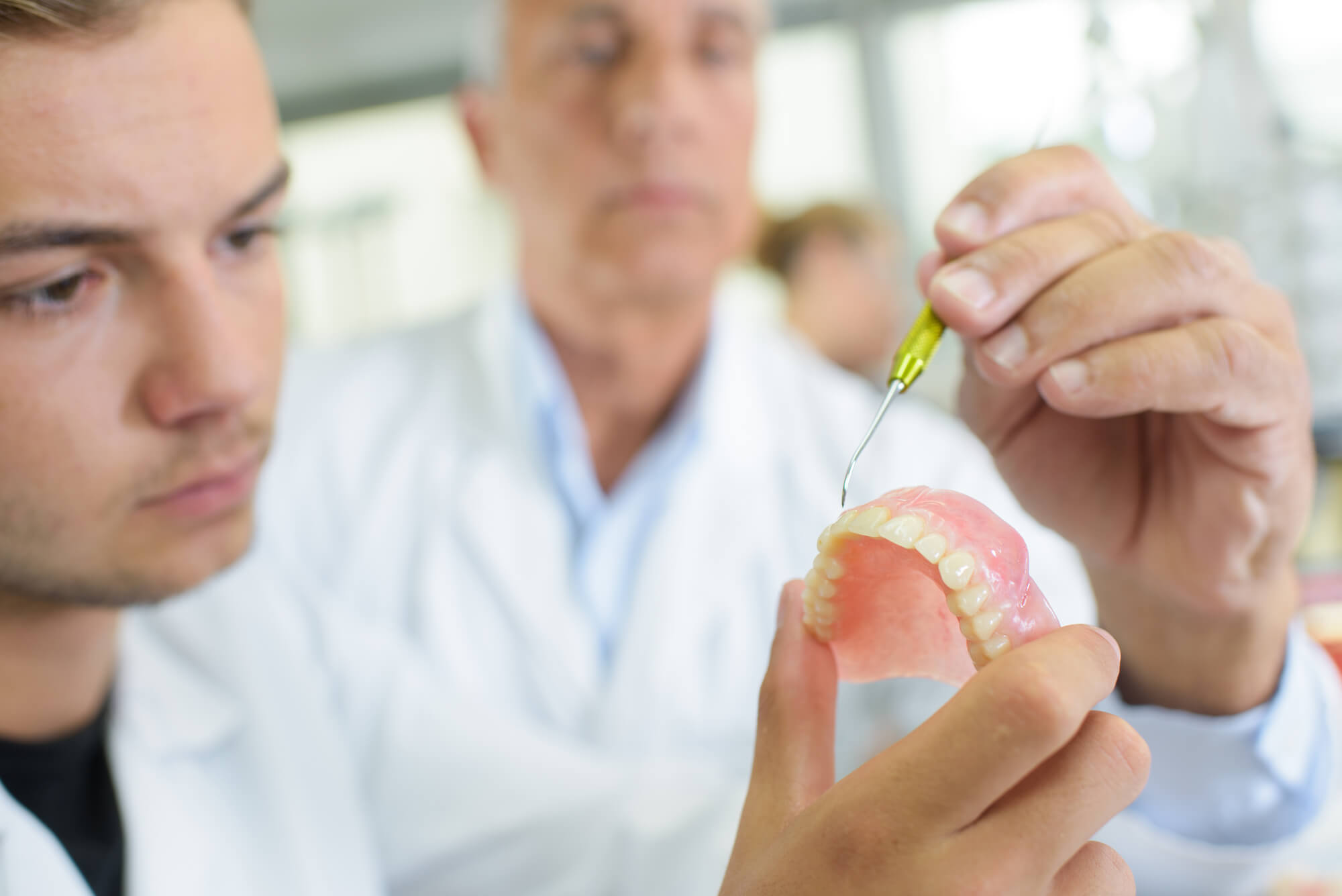 Why Do Seniors Prefer to Use Dentures?