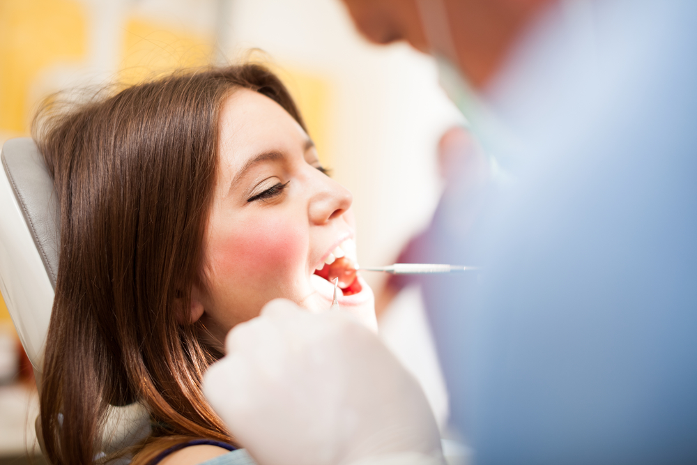 who offers the best gum disease treatment palm beach gardens?