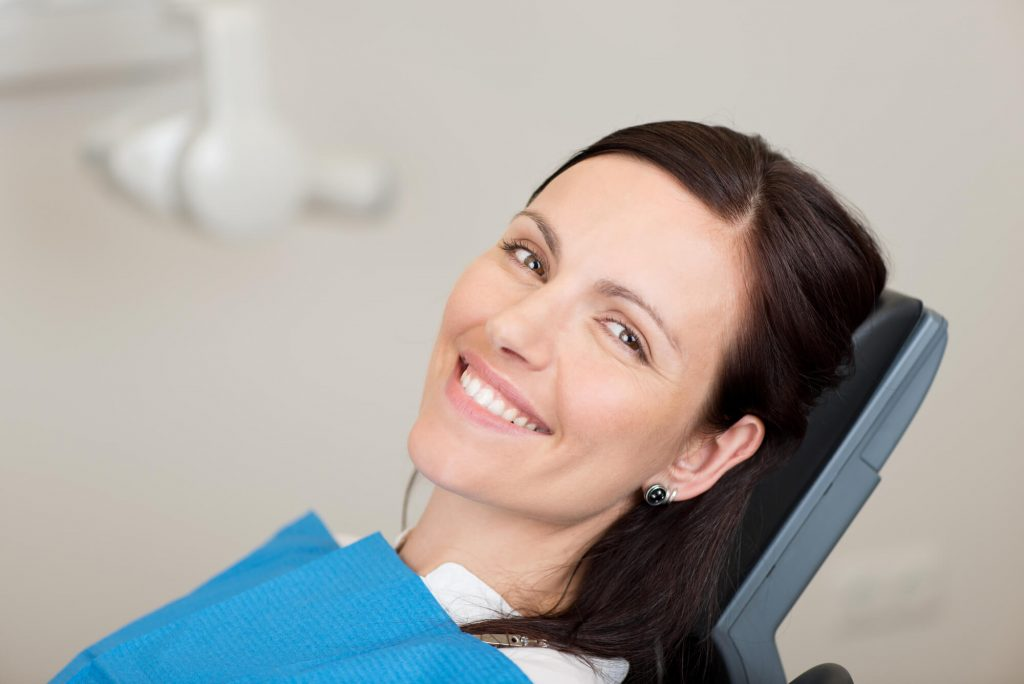 What is a holistic dentist palm beach gardens?